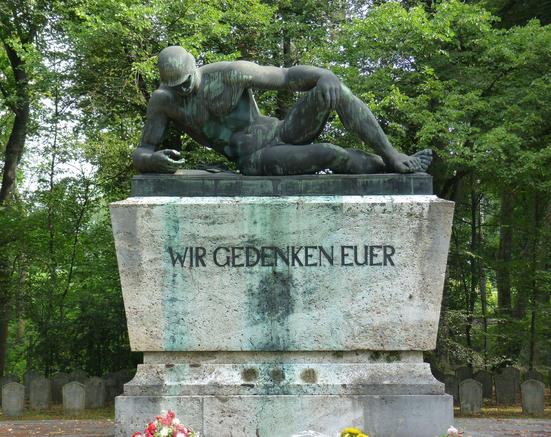 Gefallenen-Denkmal: Wir Gedenken Euer, Westfriedhof Gefallenen-Denkmal