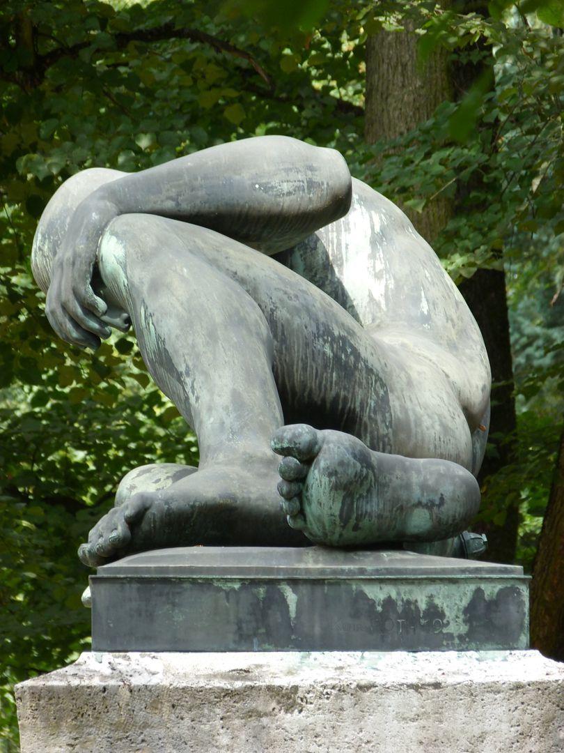 Gefallenen-Denkmal: Wir Gedenken Euer, Westfriedhof Seitenansicht