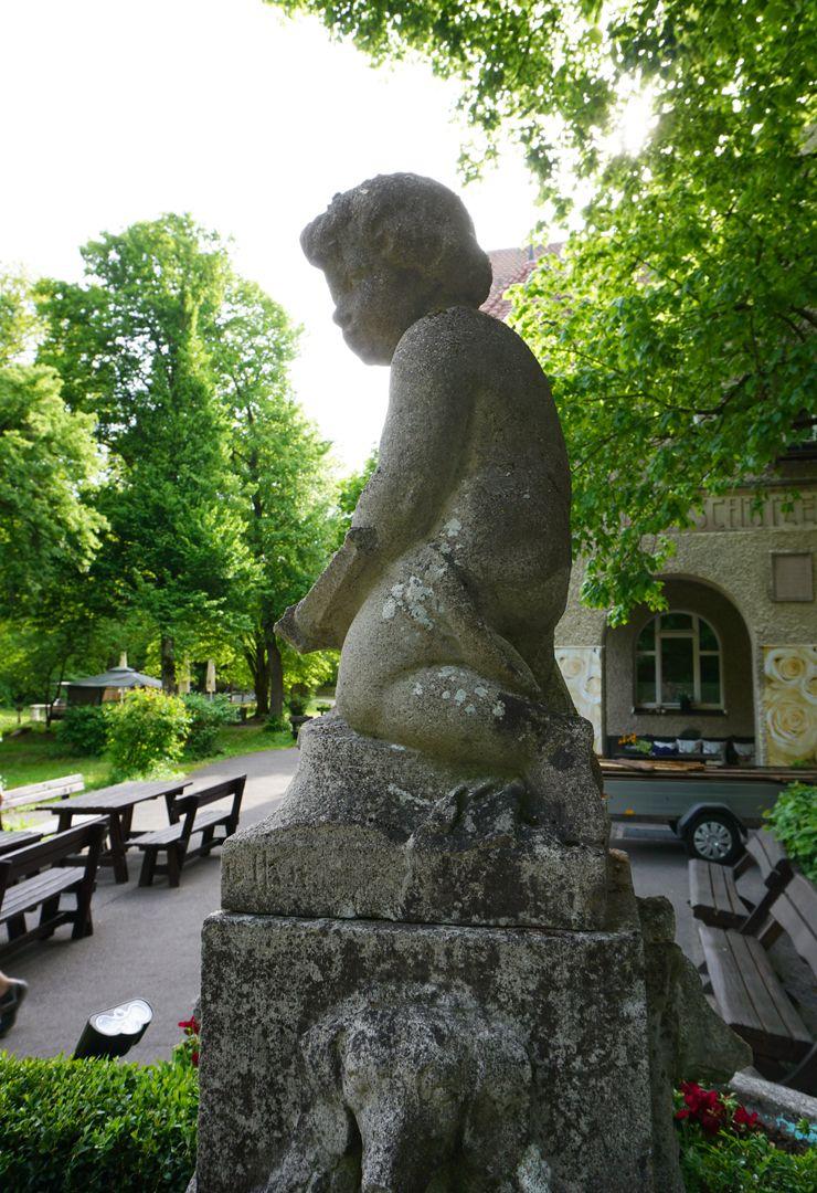 Schützenbrunnen Ansicht der linken Seite