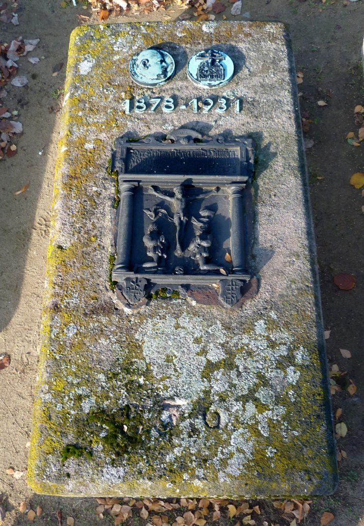Epitaph Rudolf Schiestl Gesamtansicht