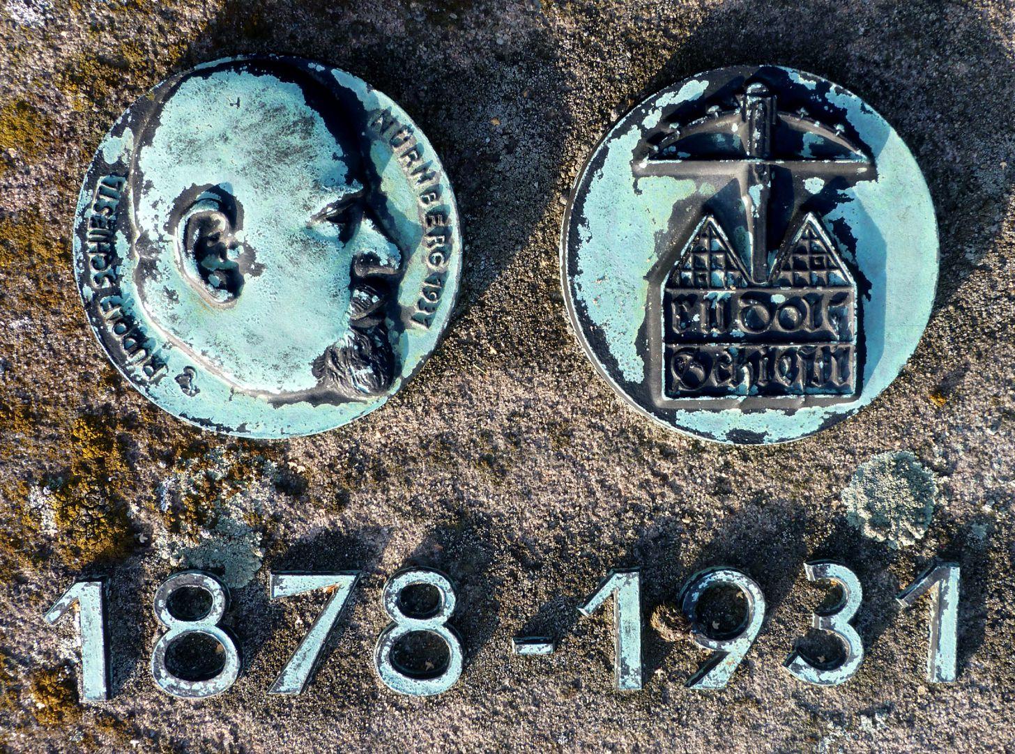 Epitaph Rudolf Schiestl Gedenkplaketten