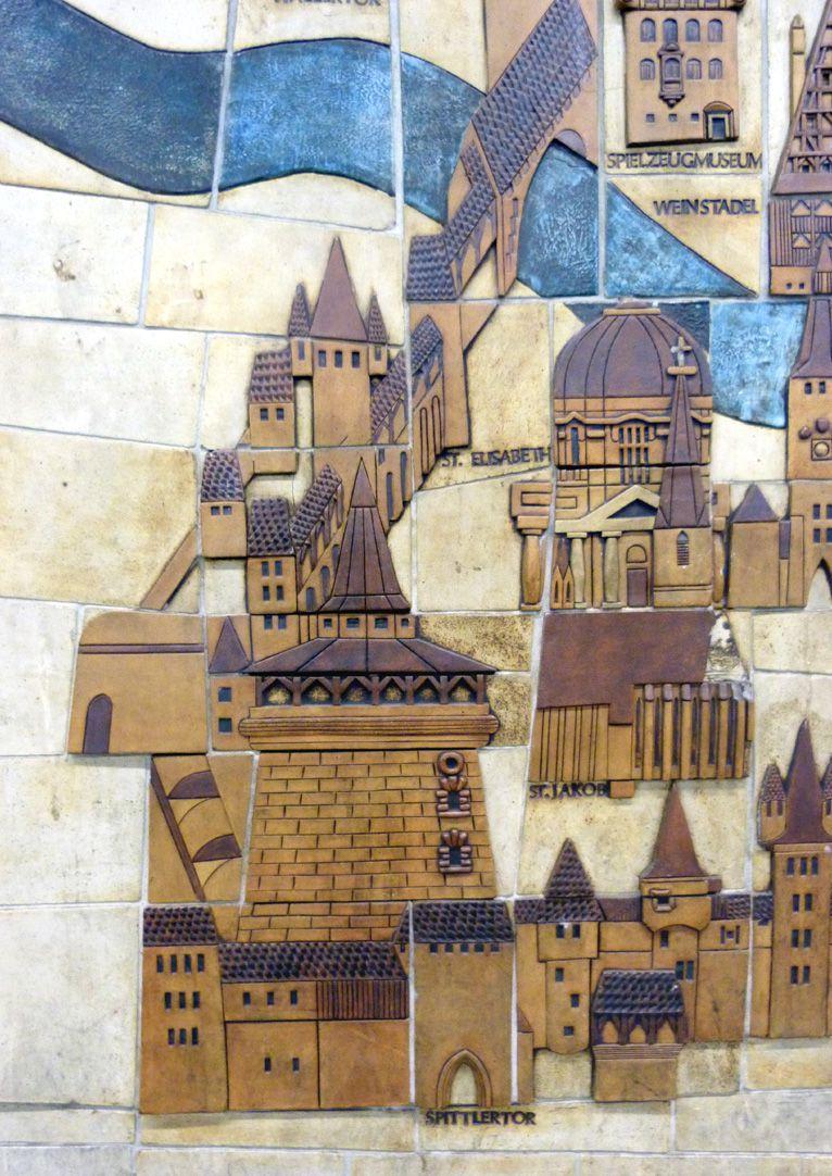 Keramikrelief der Nürnberger Altstadt Detail, westliche Lorenzer Altstadt