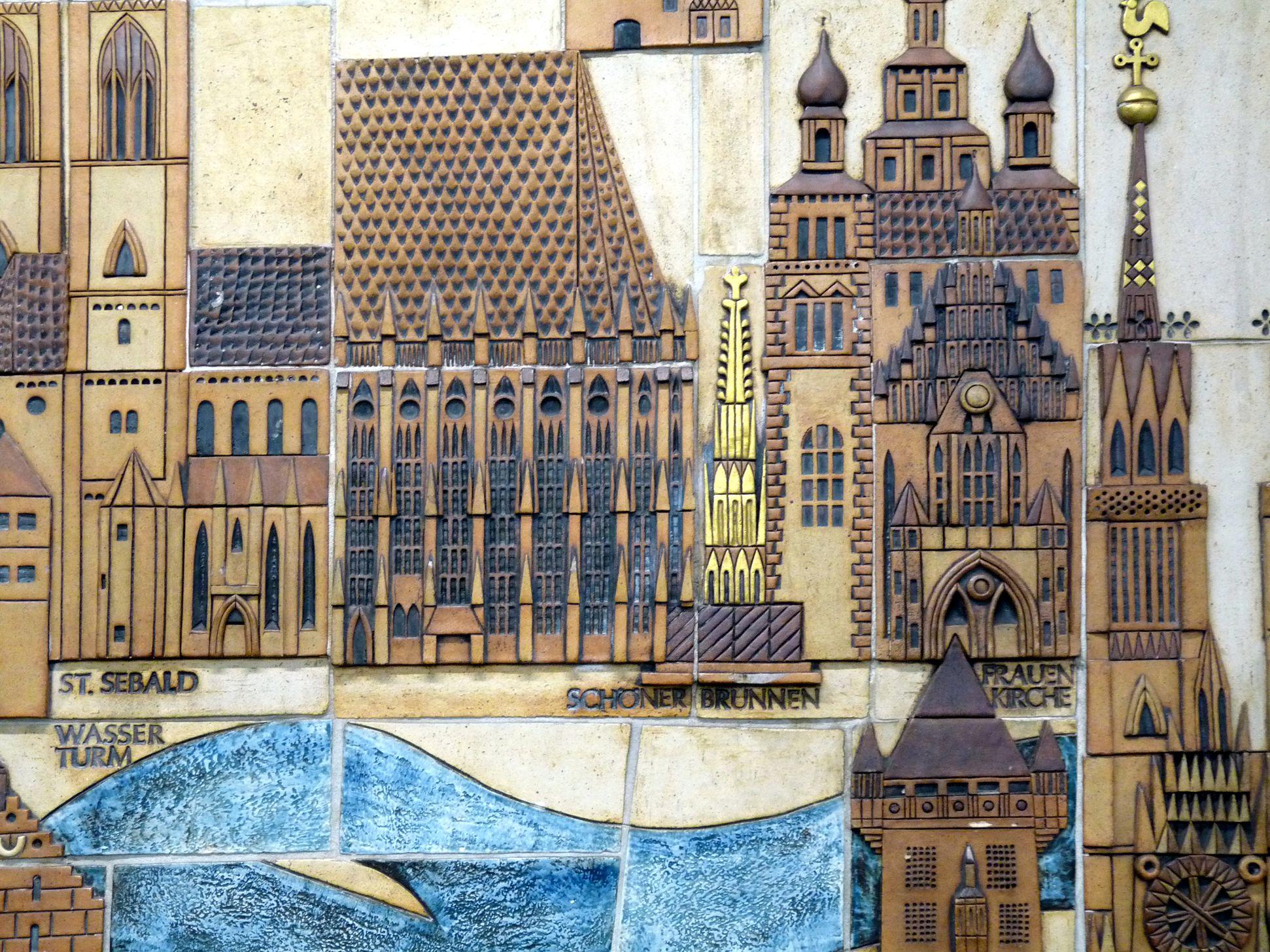 Keramikrelief der Nürnberger Altstadt Detail, Altstadtherz