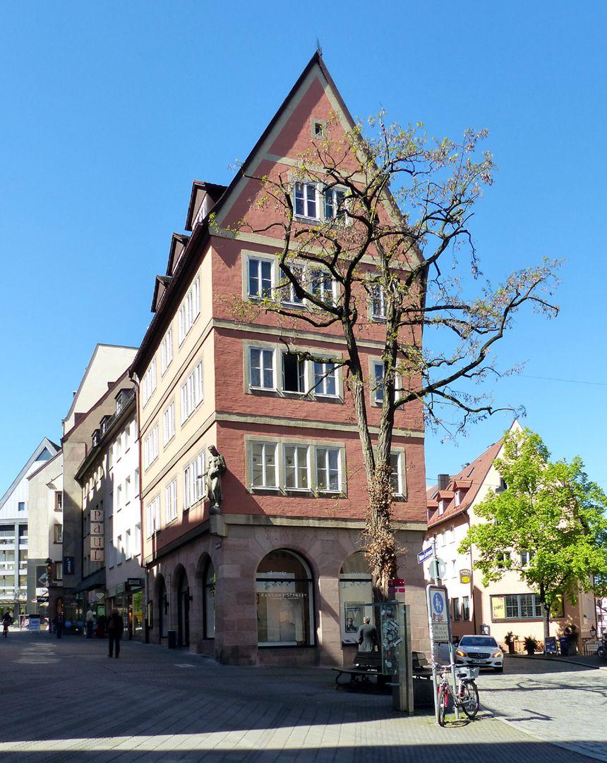 Geschäfts- und Wohnhaus Kaiserstraße Ostfassade