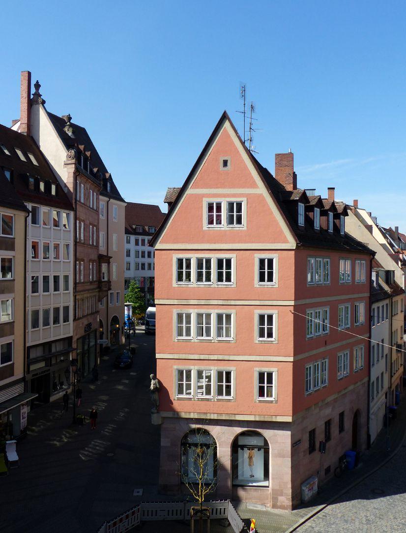 Geschäfts- und Wohnhaus Kaiserstraße Blick auf die Ostfassade