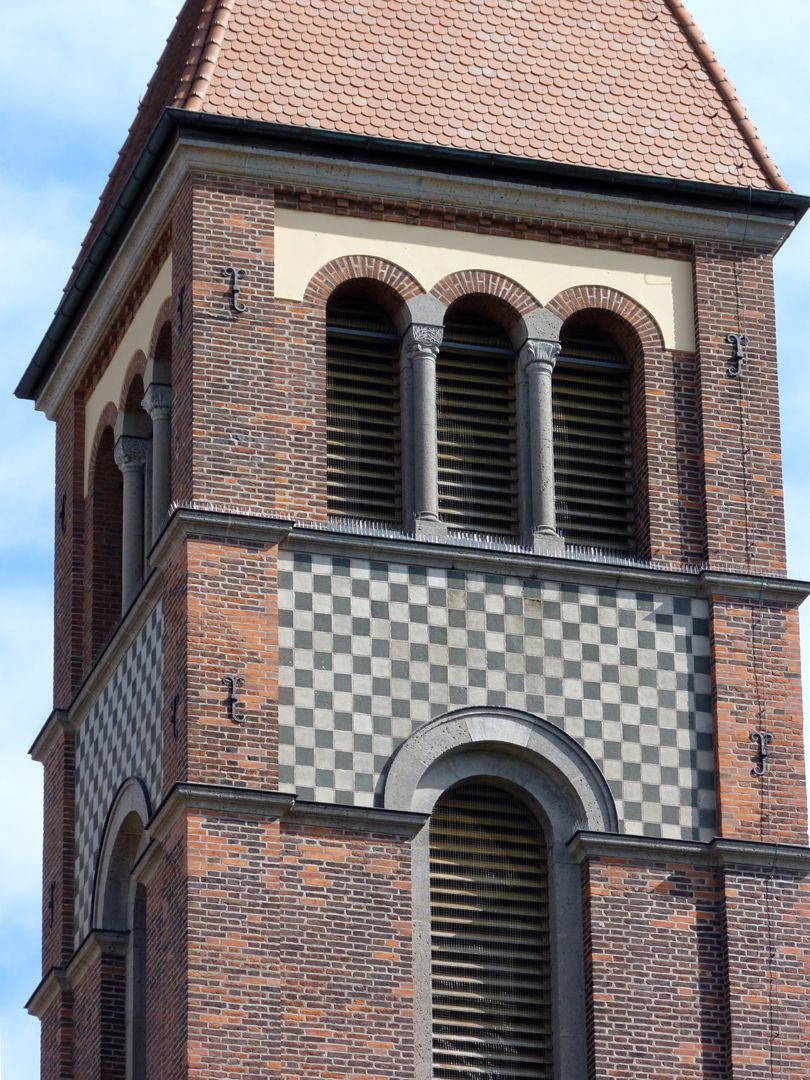 St. Anton Detail: Turm