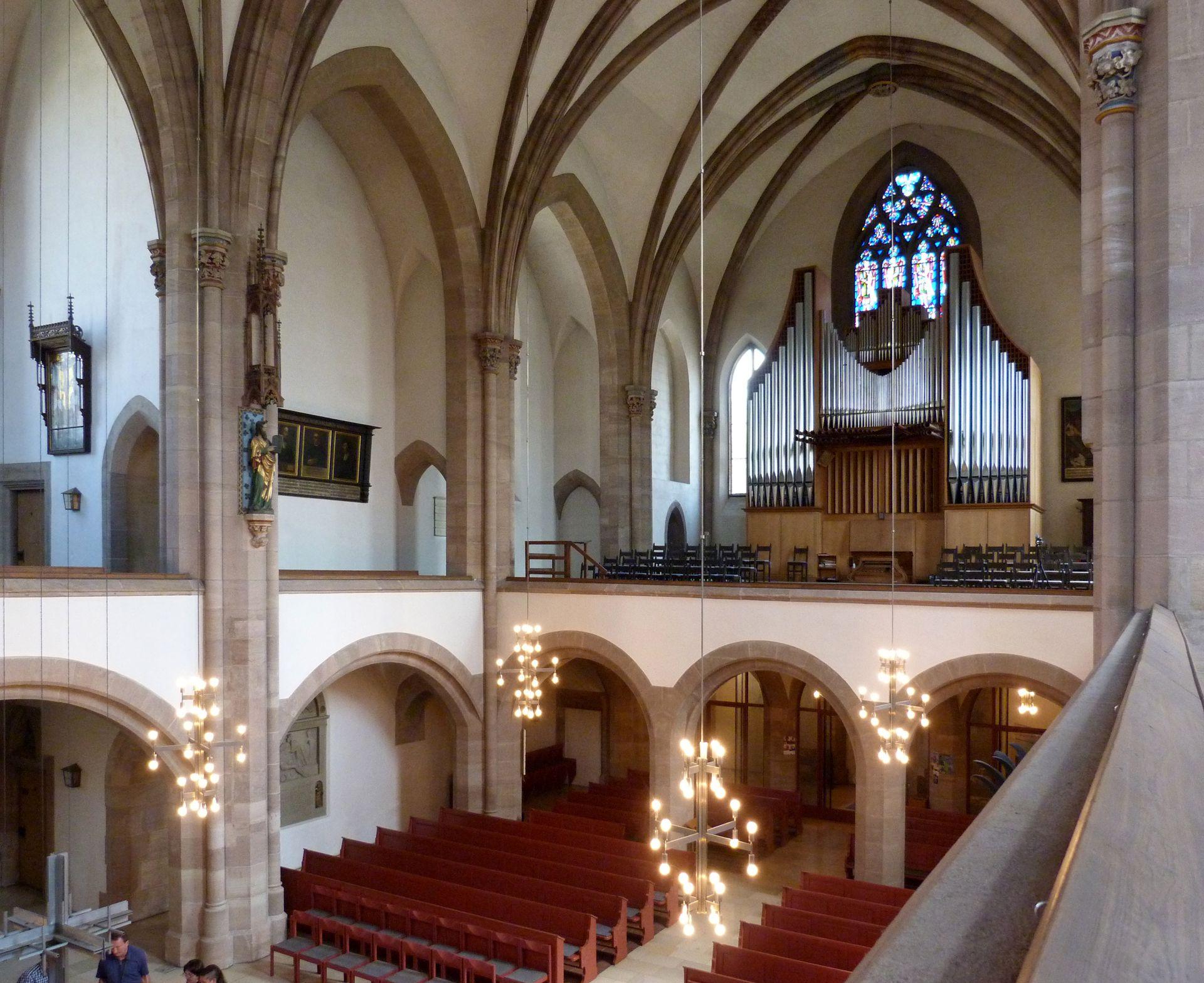 St. Peter Innenraum, Blick auf die Orgelempore