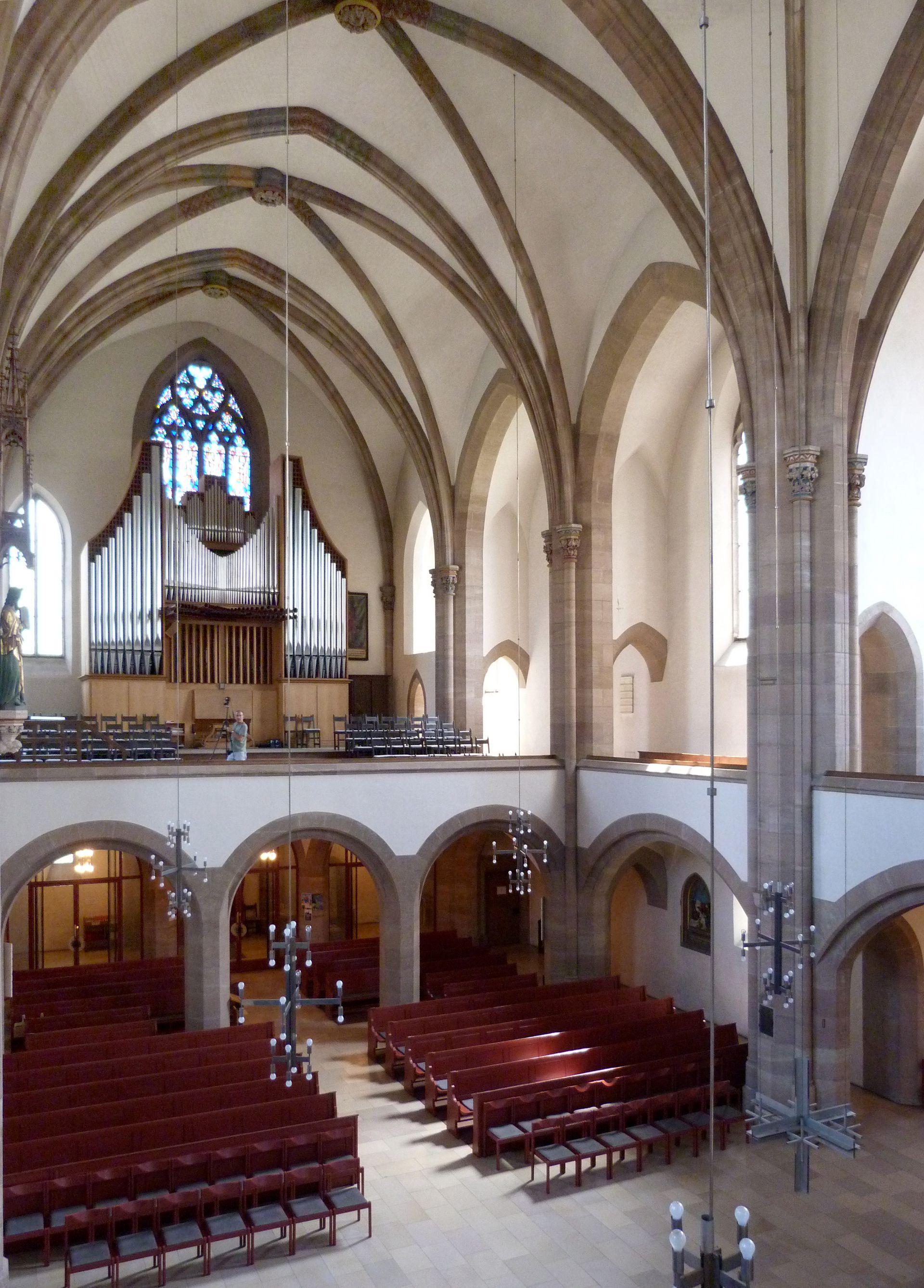 St. Peter Innenraum, Schrägansicht