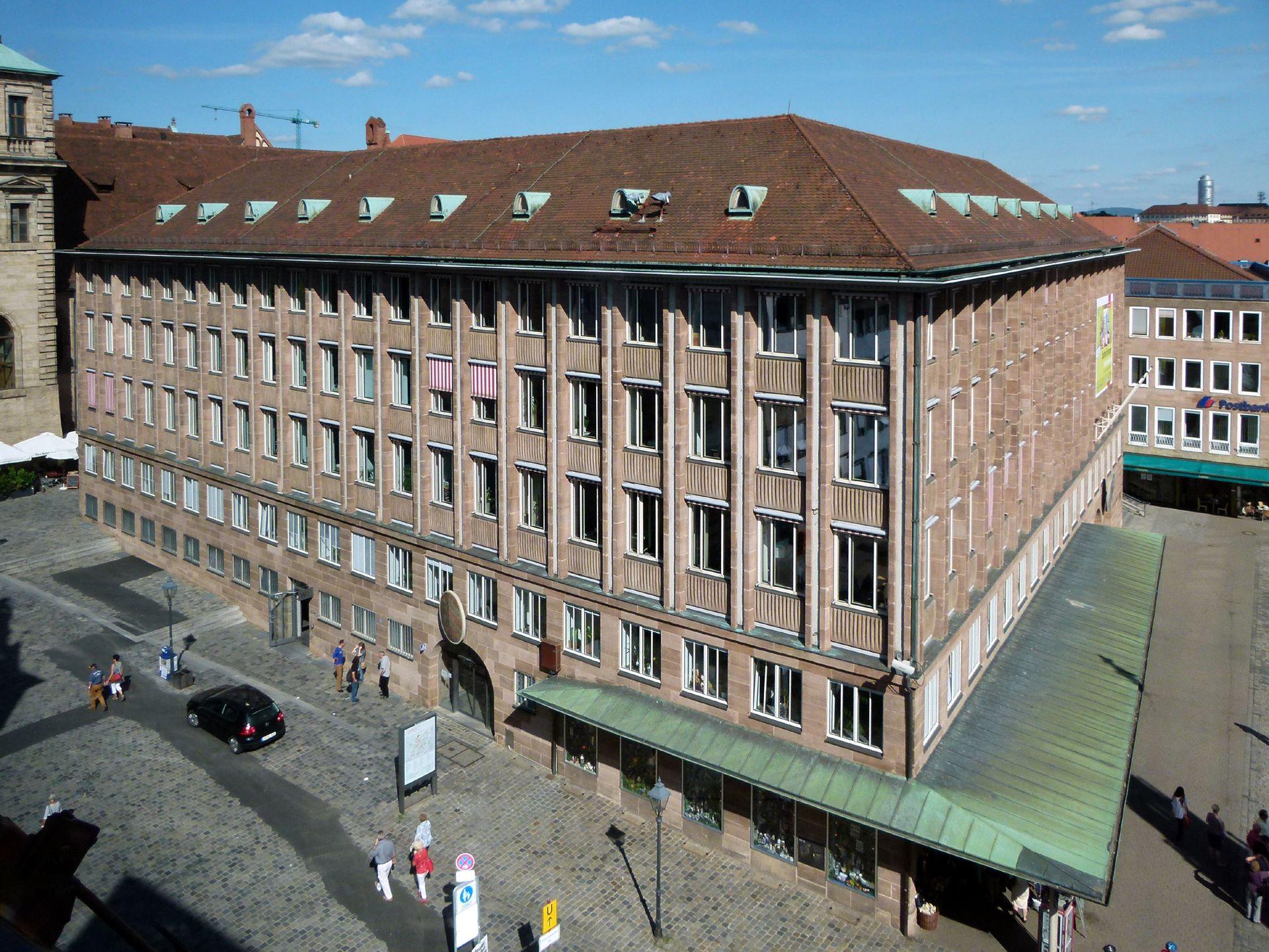 Neues Rathaus am Hauptmarkt Gesamtansicht von SW