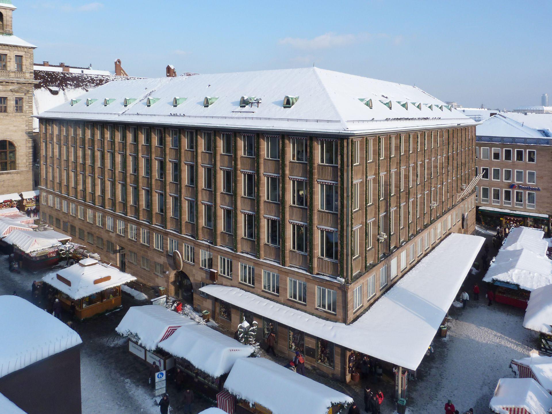 Neues Rathaus am Hauptmarkt Gesamtansicht von SW, Winter