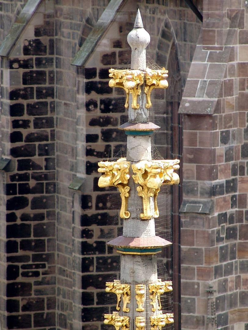 Schöner Brunnen doppelte Kreuzblume