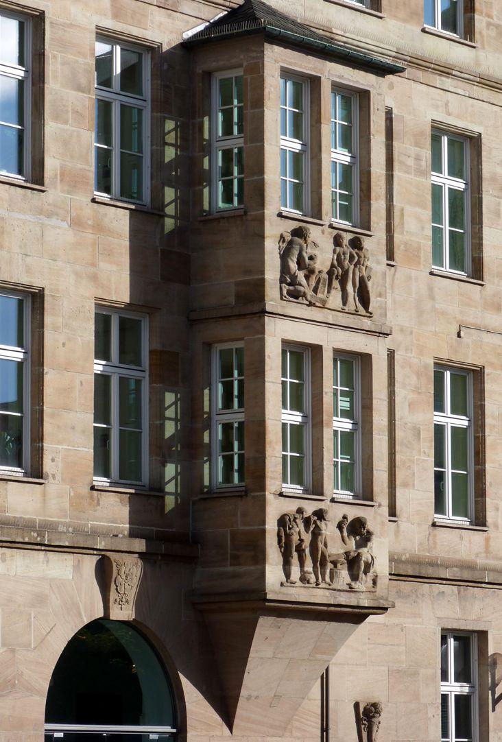 Sigmund Schuckert-Haus Zweigeschossiges Chörlein, Schrägansicht