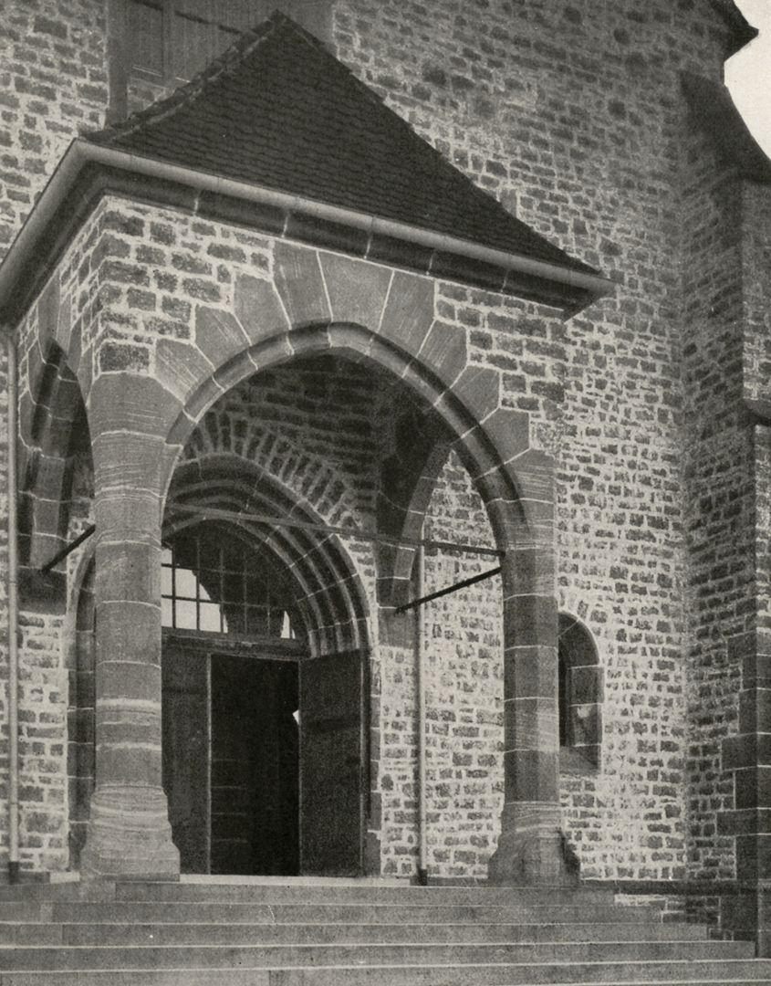 """St. Mauritius Vorhalle / Foto aus: """"Otto Schulz"""", Friedrich Ernst Hübsch Verlag, 1929"""