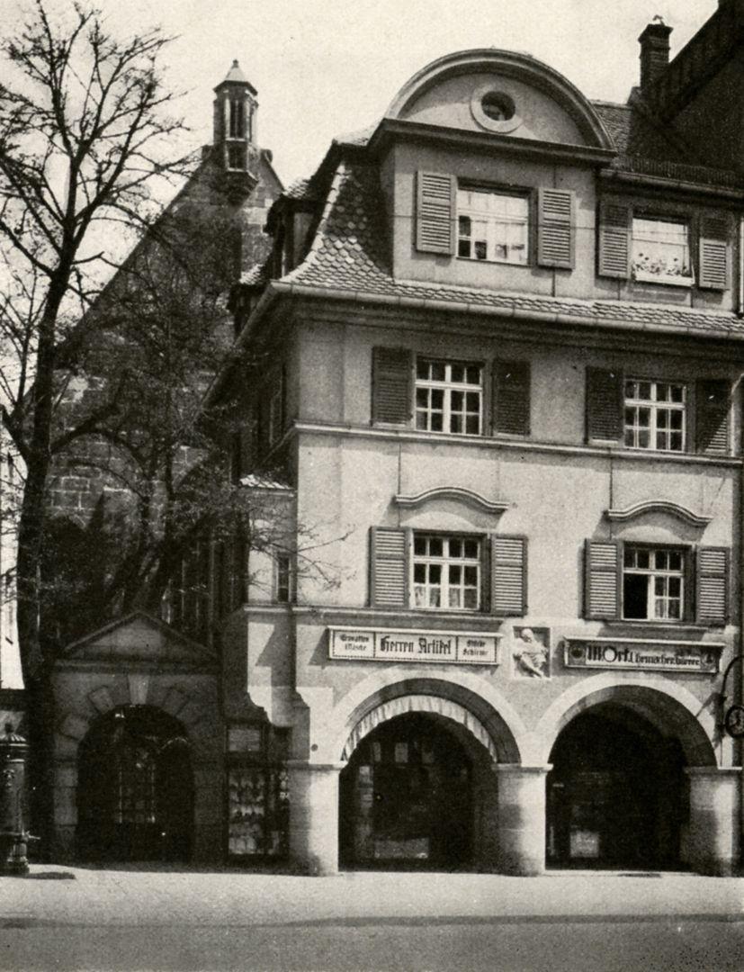 """Pfarrhaus von St. Martha Pfarrhaus von St. Martha / Foto aus: """"Otto Schulz"""", Friedrich Ernst Hübsch Verlag, 1929"""