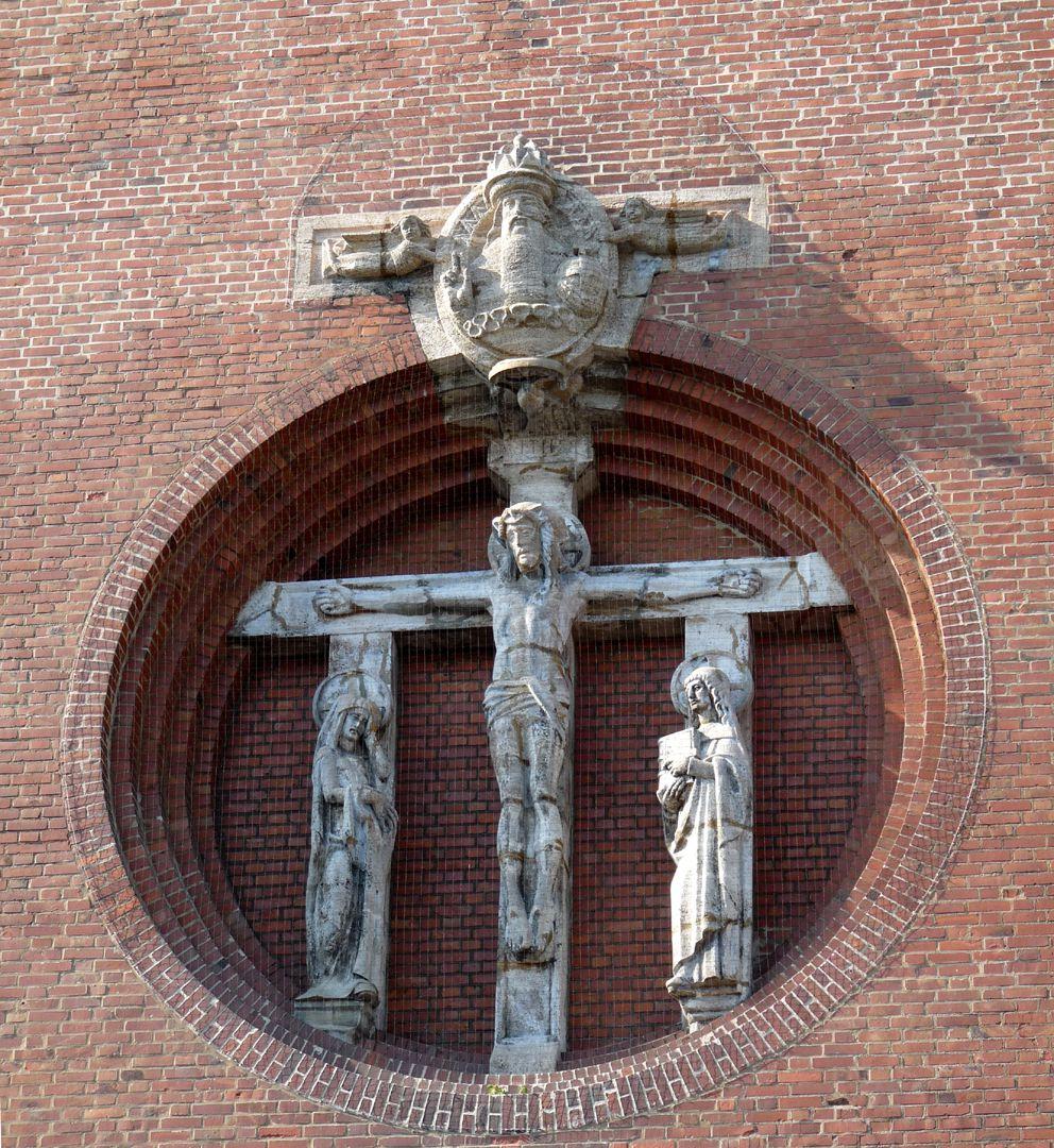 St. Ludwig Blendrose der Fassade