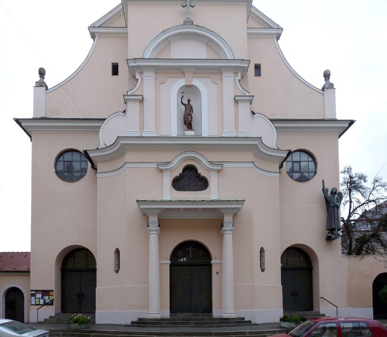 St. Michael Portale