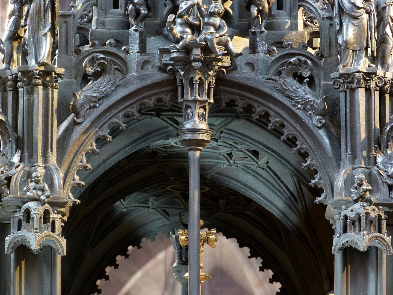 Sebaldusgrab (Ostseite) Blick auf das Luftrippengewölbe