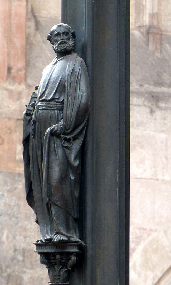 Sebaldusgrab (Ostseite) Petrus