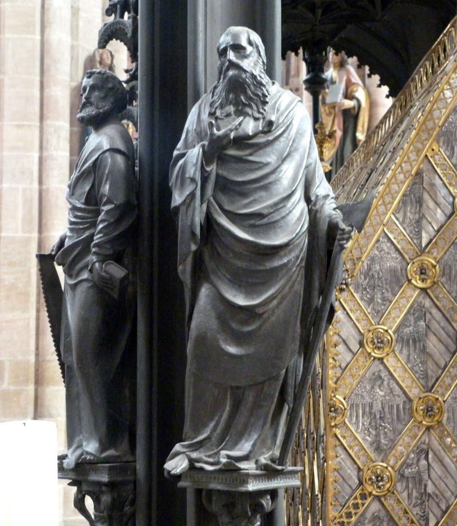 Sebaldusgrab (Westseite) Simon und Matthäus an der Nordwestecke
