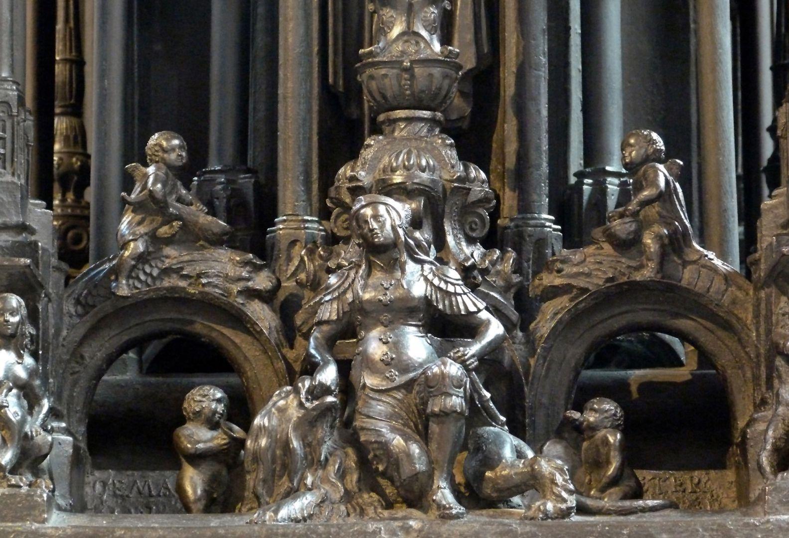 Sebaldusgrab (Westseite) Tapferkeit mit Engelein und Putti
