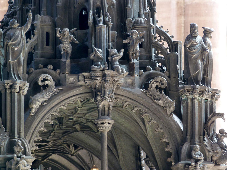 Sebaldusgrab (Westseite) Baldachin von Südwest mit Blick auf das Gewölbe