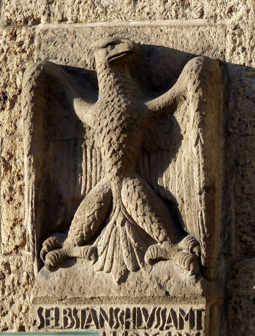 Selbstanschlussamt Adler, frontal