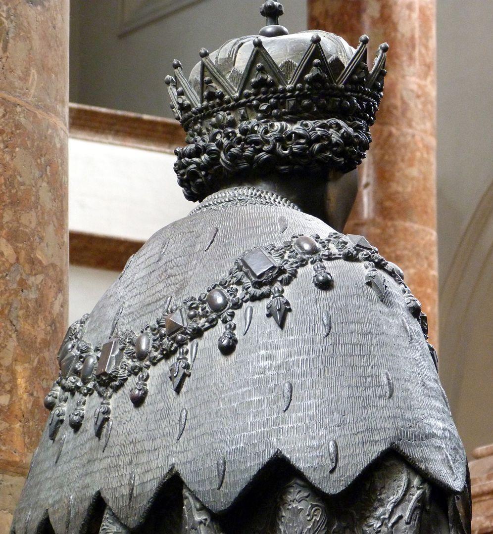 Sigmund der Münzreiche (Innsbruck) Hermelinstola und Kopf in schräger Untersicht