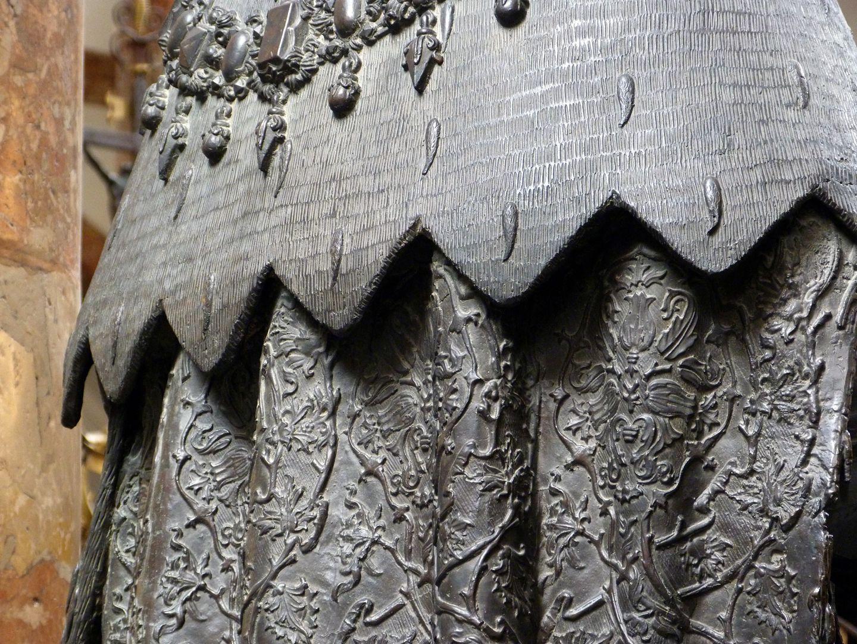 Sigmund der Münzreiche (Innsbruck) Hermelinstola und Gewand, Detail