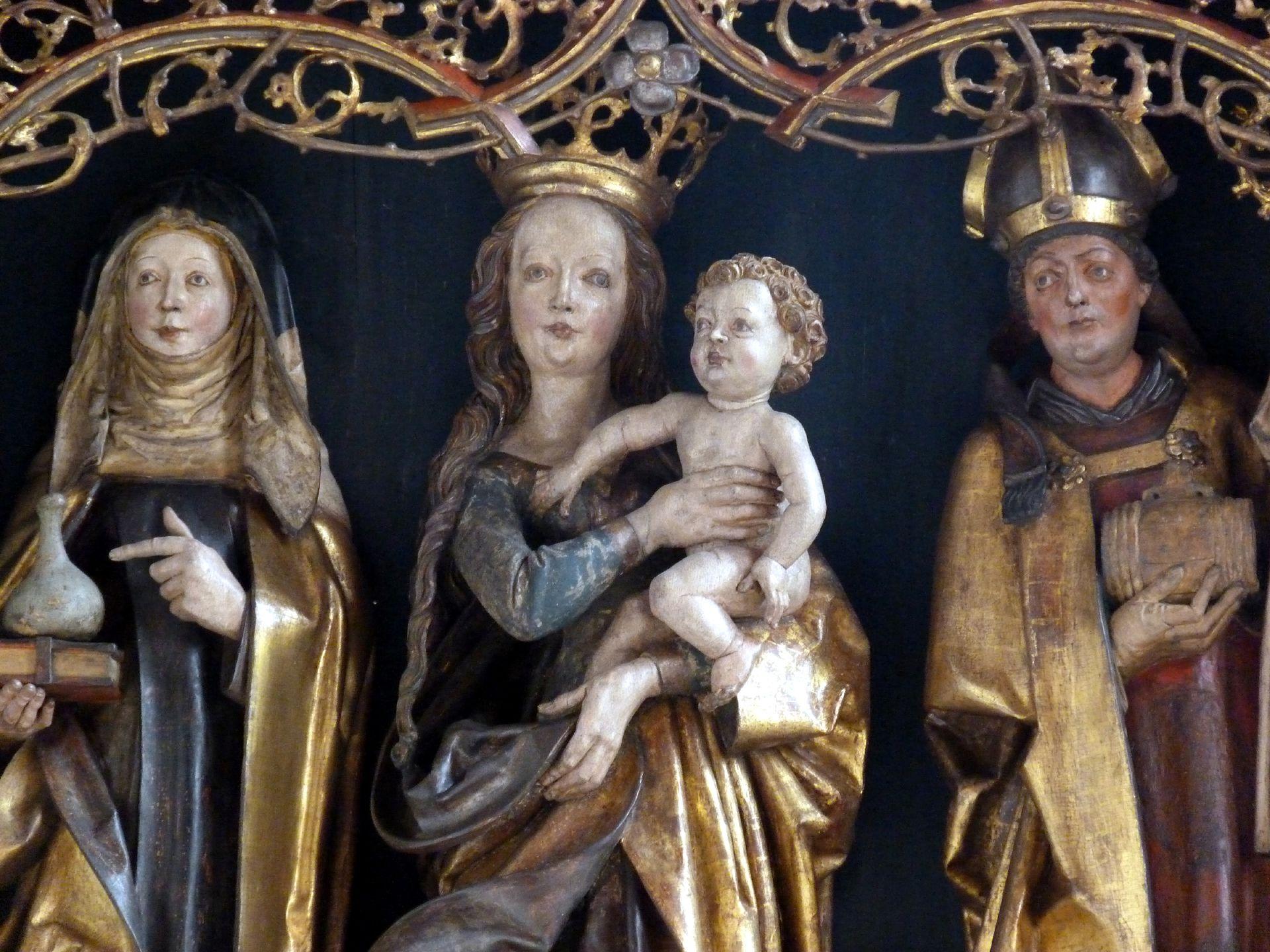 St.Jobst Ottmaraltar, Schrein, Detail, Maria mit dem Kinde zwischen der heiligen Walburga und dem heiligen Ottmar, Umkreis des Veit Stoss, nach 1500