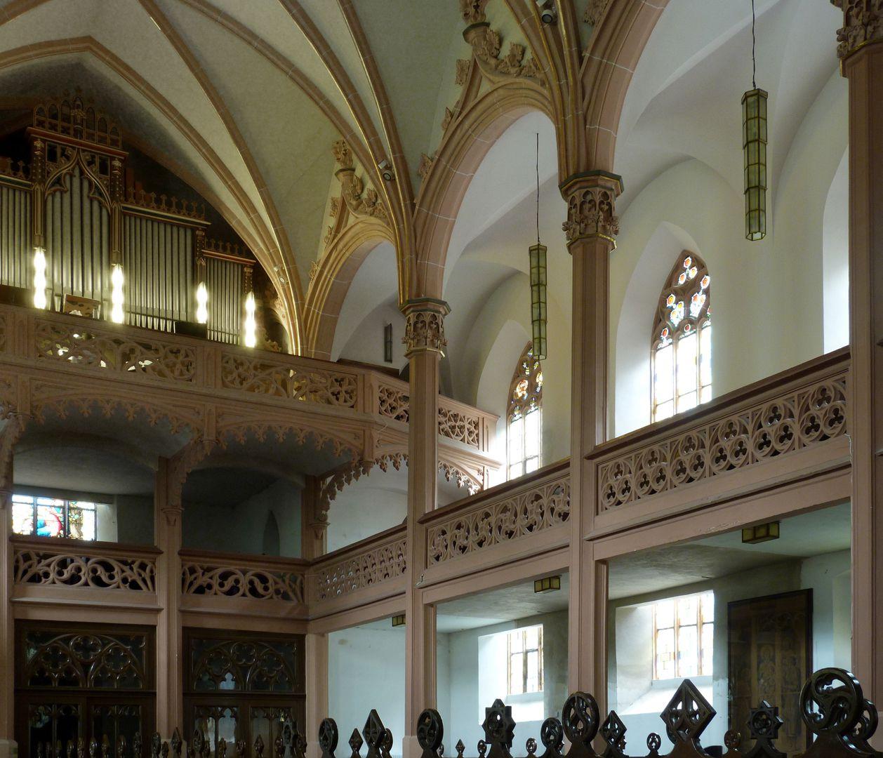 Stadtkirche St. Peter (Sonneberg) Schrägansicht Langhaus mit den geradlinigen Emporen