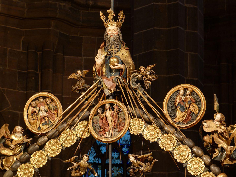 Englischer Gruß oberer Abschluß des Rosenkranzes mit Gottvater und den drei oberen Medaillons