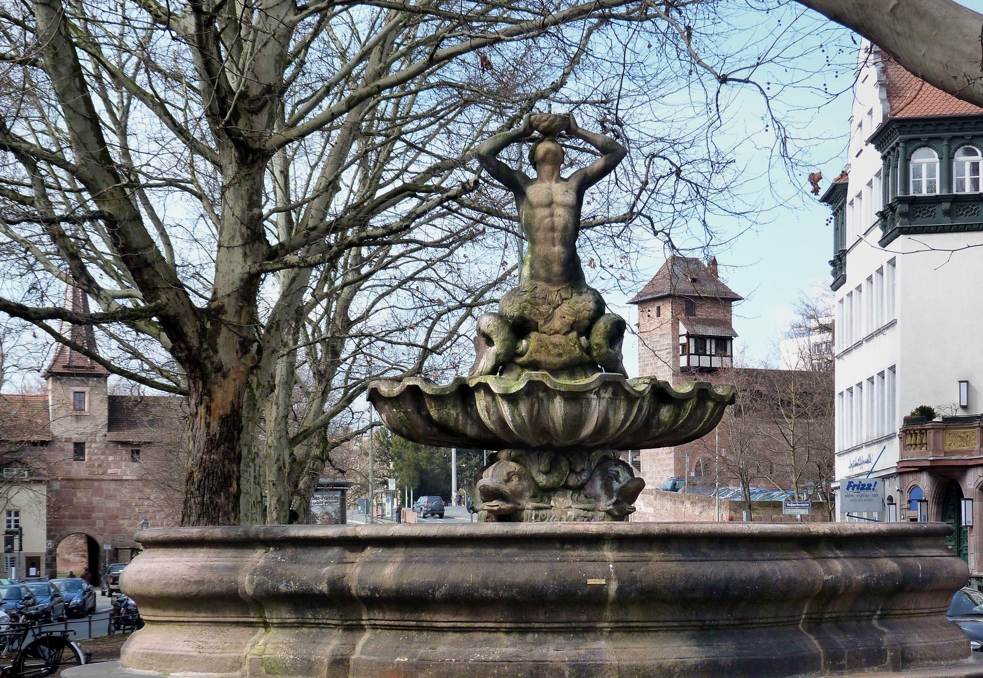Tritonbrunnen Detailansicht von Osten