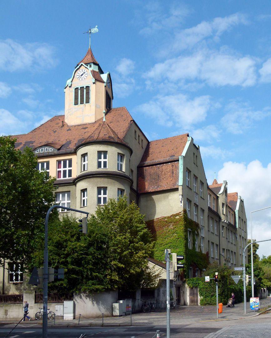 Ludwig-Uhland-Schule Schuleck und Trakt Uhlandstraße