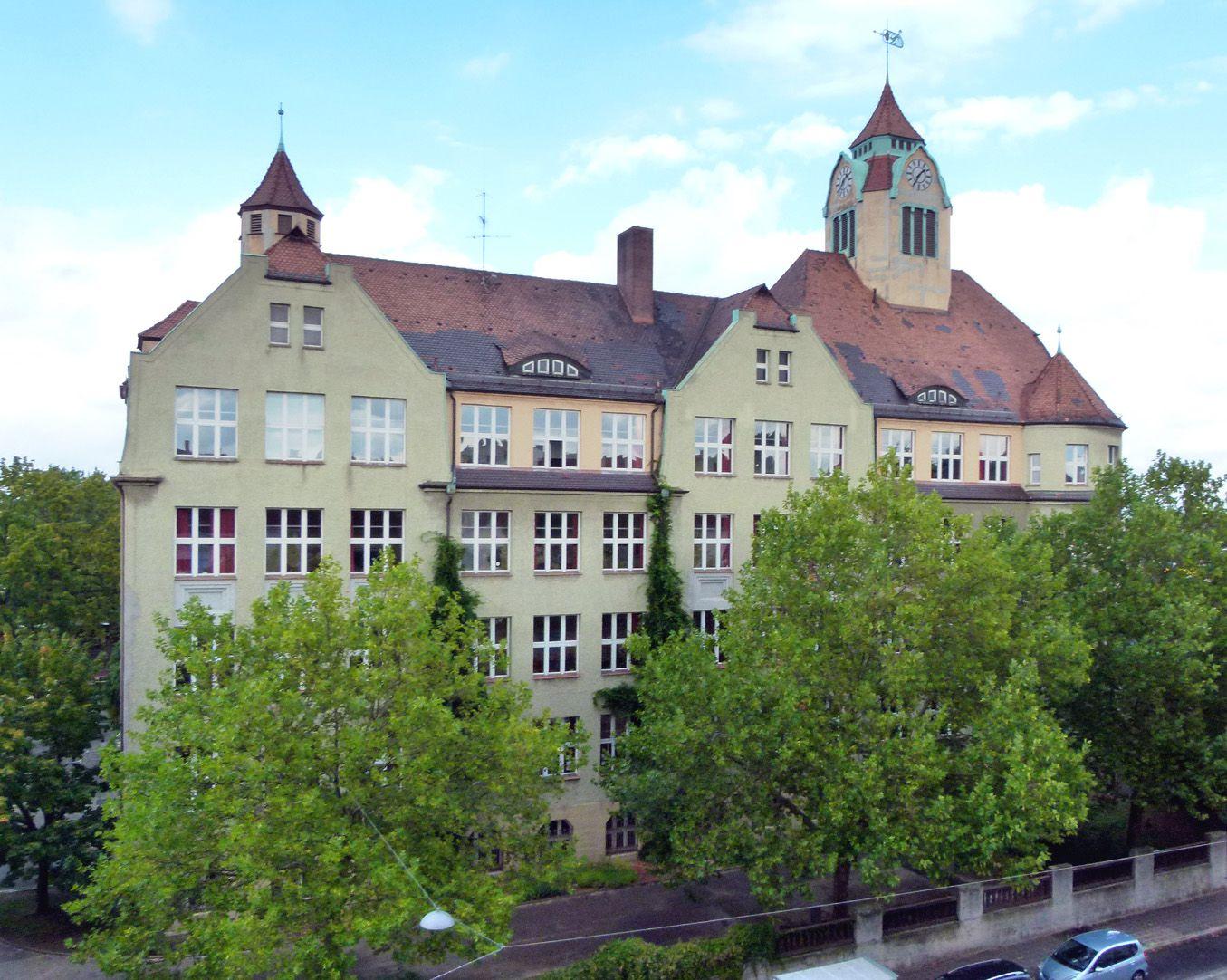 Ludwig-Uhland-Schule Ansicht,  Grolandstraße