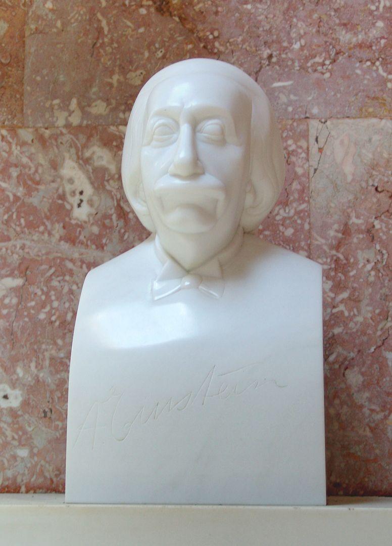 Einstein Büste mit eingravierter Unterschrift von Albert Einstein