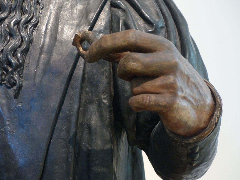 Büste des Willibald Imhoff d.Ä. linke Hand mit Ring