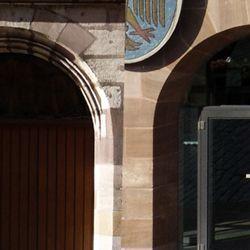 Zwillingsportale von der Ratsstube und dem Neuen Rathaus