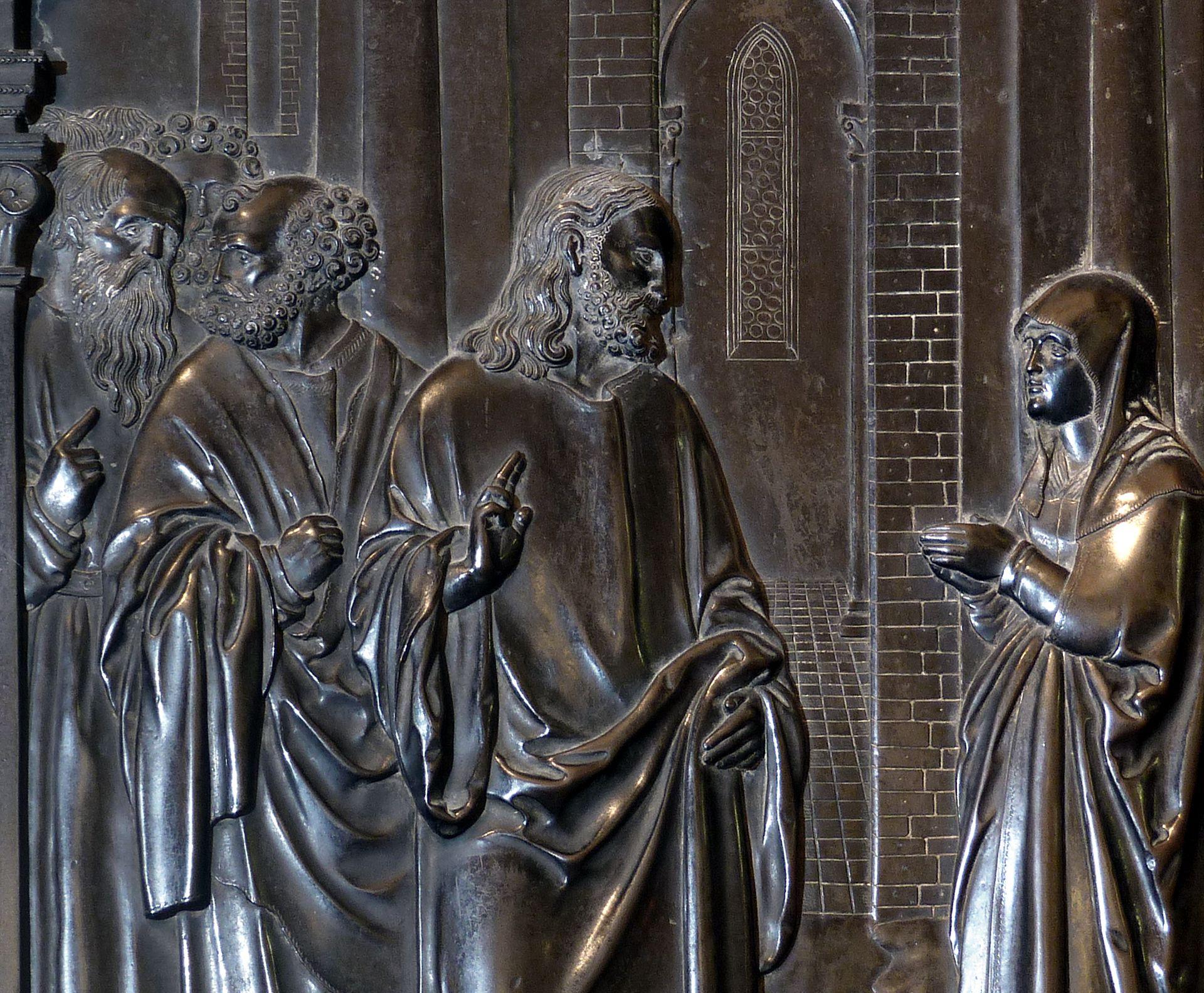Messingepitaph der Margarete Tucher Apostel, Jesus und das Kanaanäische Weib, Blitzaufnahme
