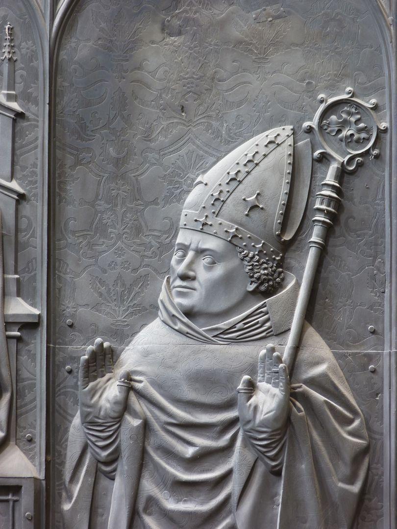 Grabplatte Bischofs Tilo v.Trotha Detail