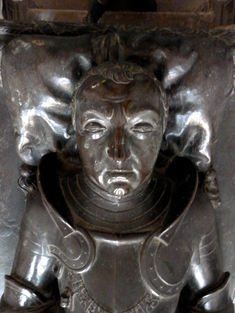 Tumba des Grafen Hoyer VI. v. Mansfeld-Vorderort (Zuschreibung) Liegefigur, Kopf