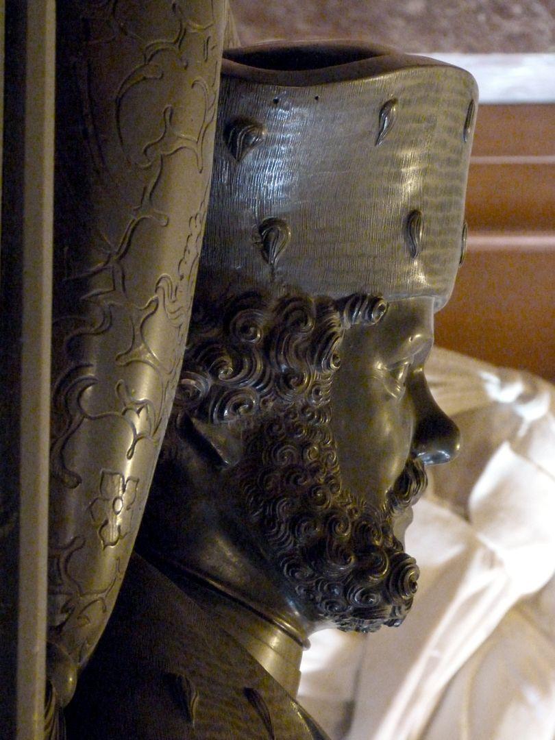 Tischgrab des Johann Cicero, Kurfürst von Brandenburg rechtes Kopfprofil