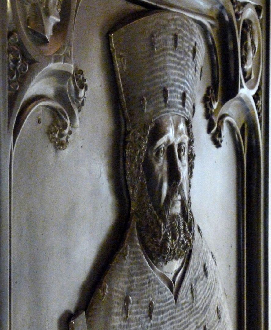 Tischgrab des Johann Cicero, Kurfürst von Brandenburg untere Platte, rechtes Kopfprofil