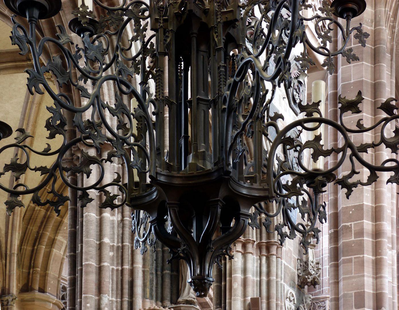 Bronzeleuchter unterer Leuchter mit geschwungenem Knauf