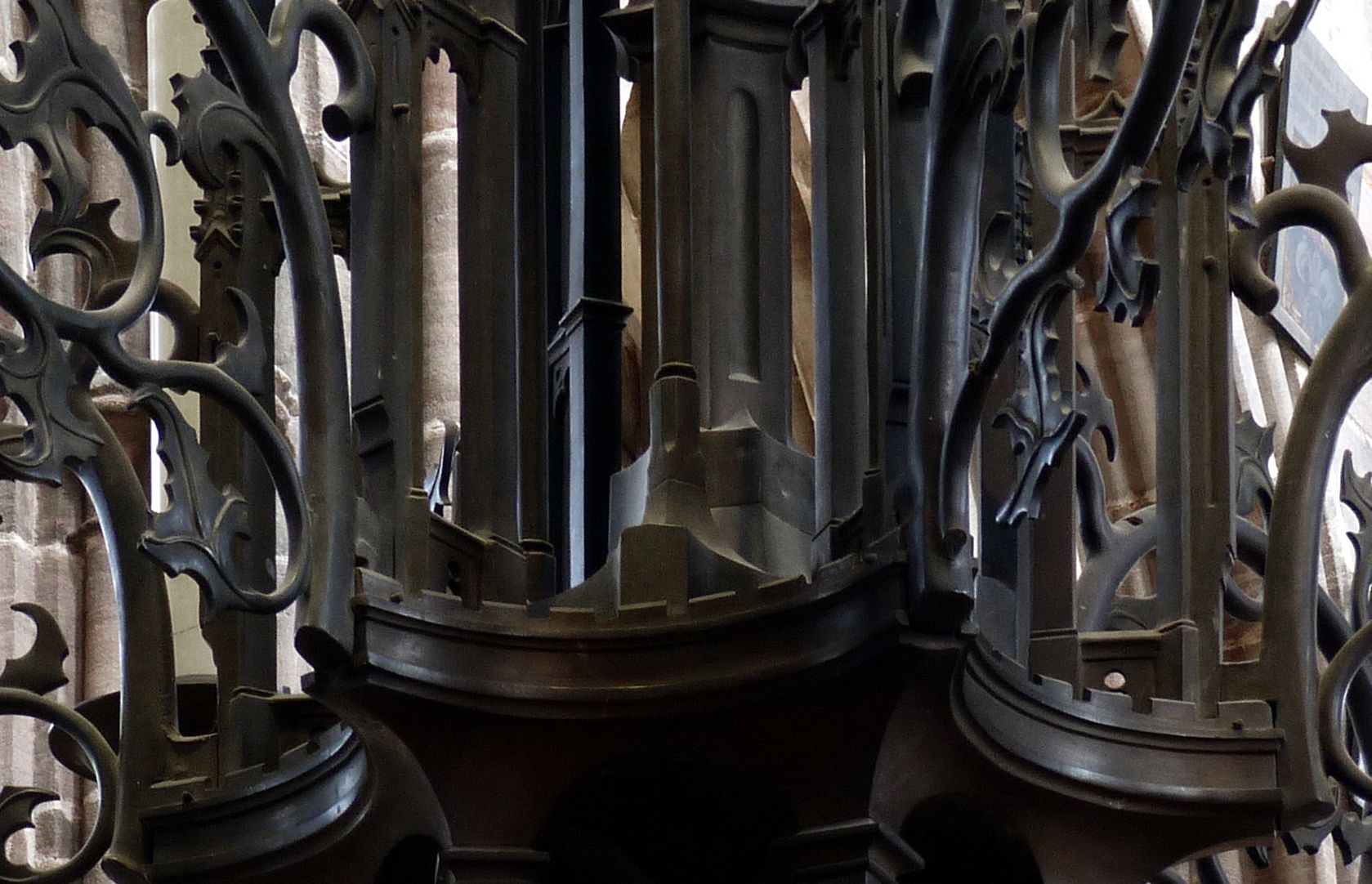 Bronzeleuchter unteres Gehäuse, Detail