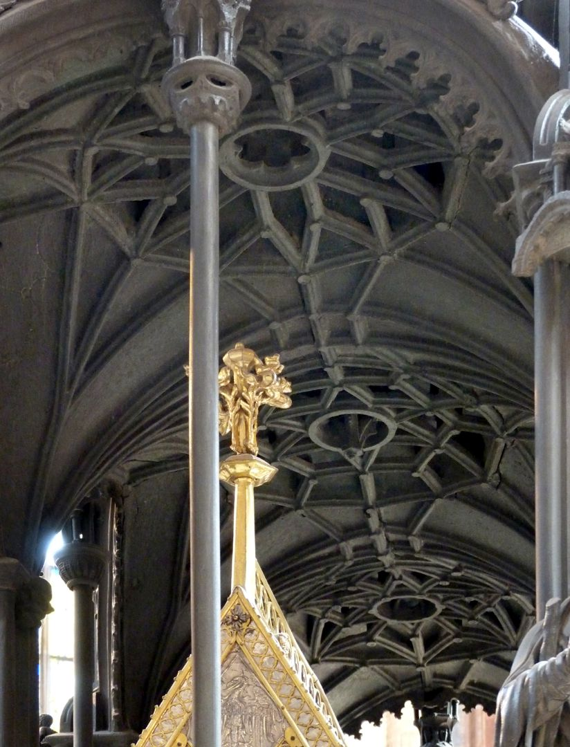 Sebaldusgrab Luftrippengewölbe der kuppelartigen Bekrönungen