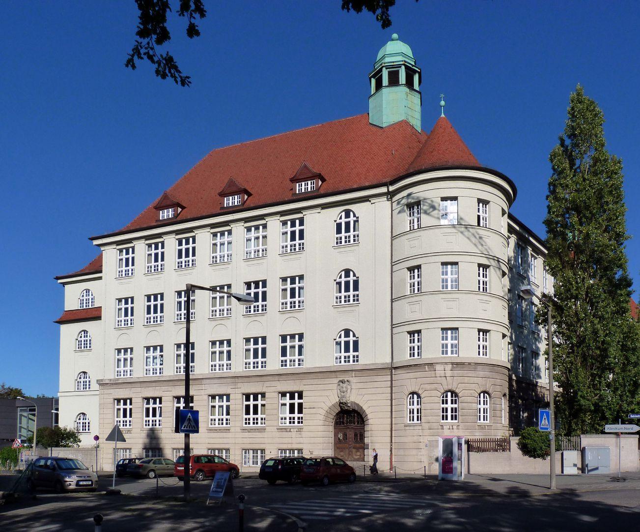Peter-Vischer-Schule Westtrakt