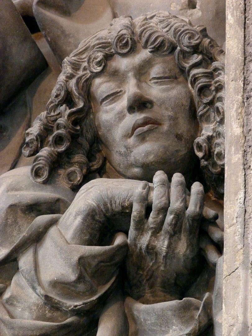Volckamersche Gedächtnisstiftung, Reliefplatten Ölberggebet, schlafender Johannes, Detail