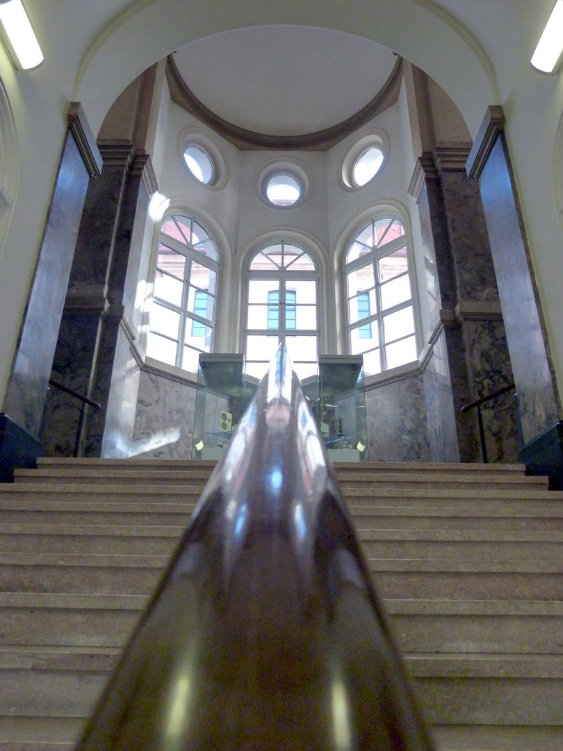 ehem. Bayerische Landesgewerbeanstalt Treppe in Richtung, Podestgehäuse