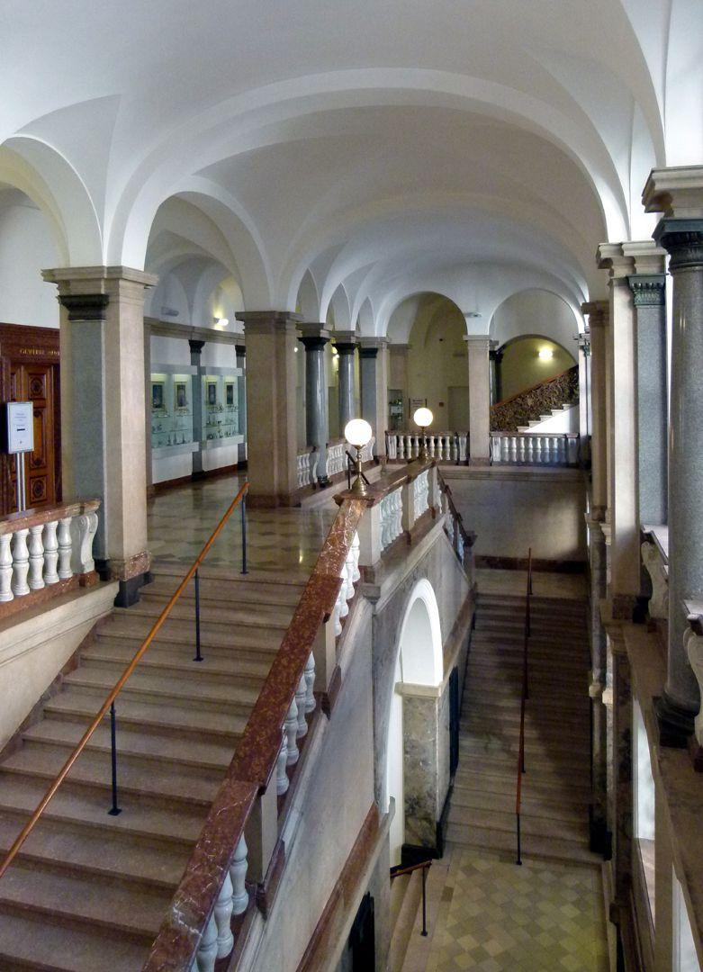 ehem. Bayerische Landesgewerbeanstalt Haupttreppenhaus