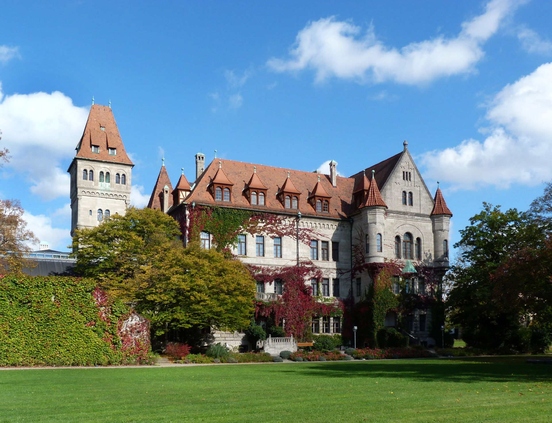 Schloss Faber-Castell Park, Südwestansicht